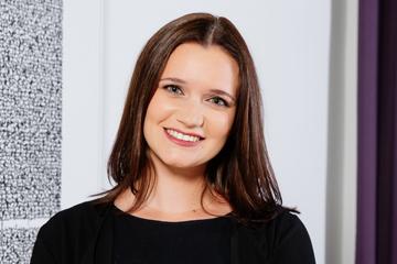 Victoria Schmid Portrait